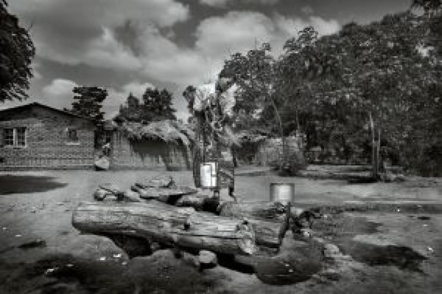 Alcances acoge la exposición Madzi. Agua en Malawi, del fotoperiodista José Antonio de LaMadrid, miembro de Por África