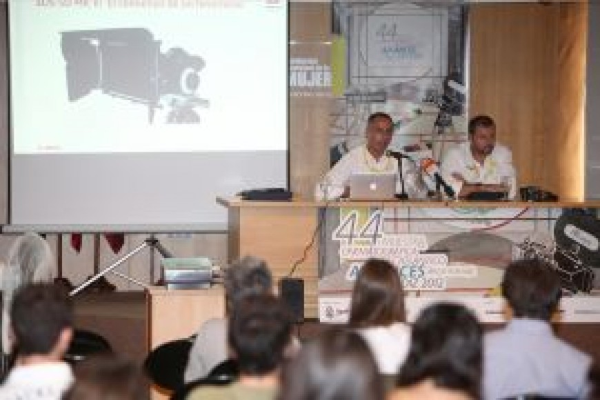 'Canon en el entorno del cine y documental' se presenta en Alcances
