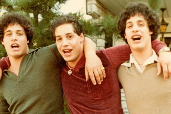 Imagen principal Tres idénticos desconocidos