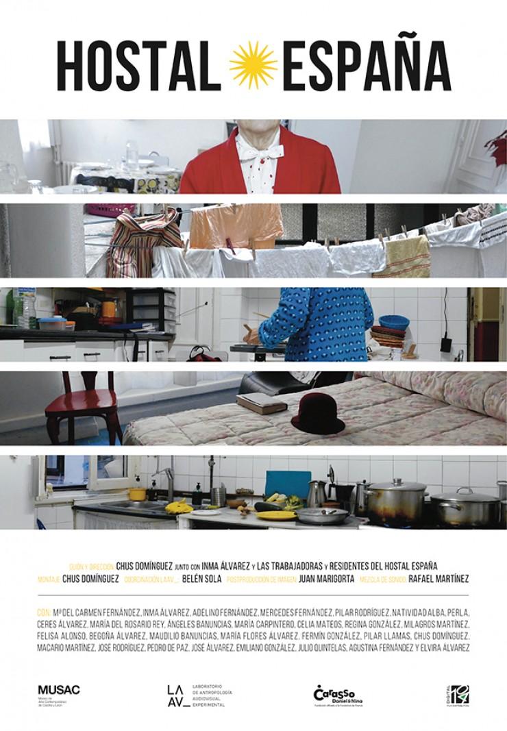 Chus Domínguez, Inma Álvarez (y las trabajadoras y residentes del Hostal España), director película Hostal España