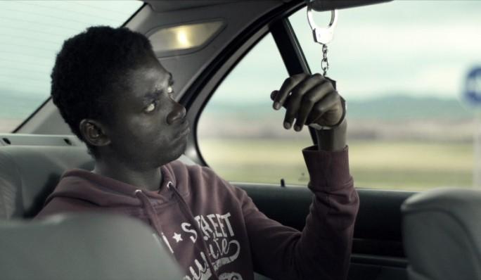 Fotograma: Hombre blanco, hombre negro de Javi Alonso